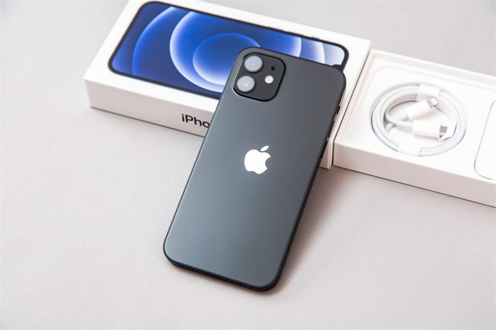 iPhone 12可支持反向无线充电?库克:我就不开放!