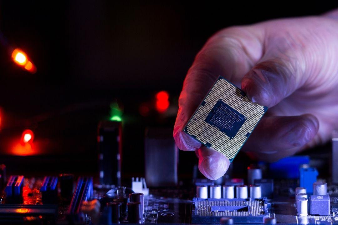 业绩力压英特尔,AMD继续高歌猛进